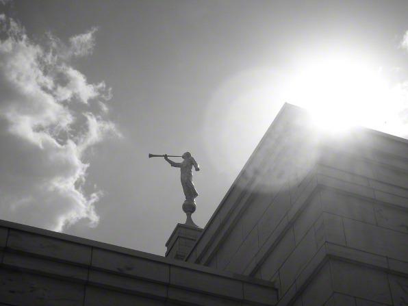摩爾門聖殿的摩羅乃