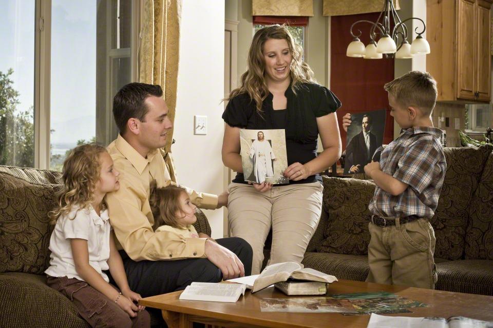 家人家庭晚會