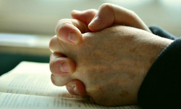 停、跪下、祈禱