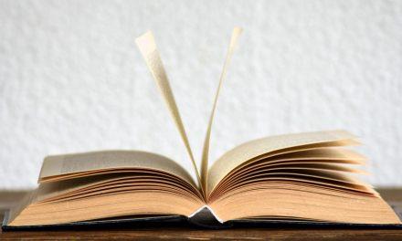 為什麼神揀選未受過教育的人翻譯摩爾門經?